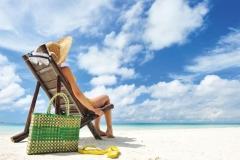 """Фотошпалери """"Дівчина на пляжі"""" (#110035)"""