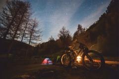 """Фотошпалери """"Ночівля в лісі"""" (#120023)"""