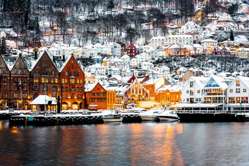 Фотошпалери з архітектурою Норвегії, Різдвяна Норвегія, зима в Норвегії, Норвегия, фотообои с архитектурой Норвегии, фотобои с архитектурой, Latexdruk, екологічний друк, широкоформатний друк Україна, широкоформатний друк Чернівці, замовити фотошпалери, фотообої, шпалери, обої, оформлення приміщень, друк на фотошпалерах, дизайнерські шпалери, картини, картини з частин, экологическая печать, широкоформатная печать Черновцы, латекс-друк, фотообои, оформление помещений, оформление интерьера, печать на фотообоях, картина на ткани, модульные картины