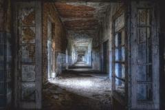 """Фотошпалери """"Закинутий коридор"""" (#30084)"""