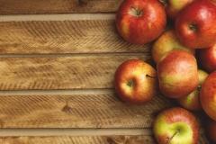 "Фотошпалери ""Яблука на столі"" (#60035)"